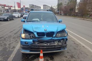 На Уралмаше в аварии пострадала девочка: ее мама отвлеклась на младшего ребенка