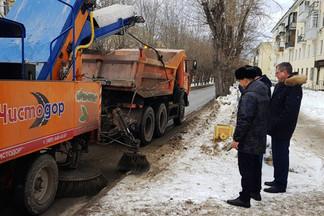 Техника для уборки снега модернизирована: Роман Кравченко проверил эффективность решений