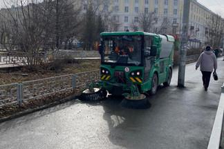 Ведётся активная уборка улиц в Орджоникидзевском