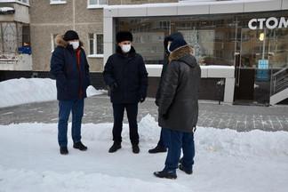 Роман Кравченко провёл плановый объезд территории Орджоникидзевского района