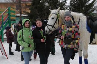 «Широкая Масленица»: поселок «Садовый» проводил зиму праздничными гуляниями