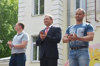 Около тысячи жителей Орджоникидзевского отметили День защиты детей в парке «Эльмашевский»
