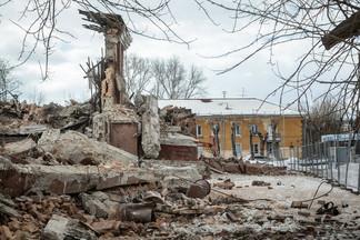 «Фактически впустую». Деньги от продажи бывшего кинотеатра в Екатеринбурге потратили на текущие нужды