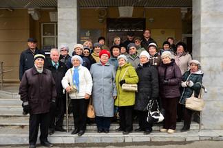 Ветераны Орджоникидзевского района посетили обзорную экскурсию по Екатеринбургу