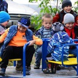 Открытие детской площадки на ул. Краснофлотцев, 61