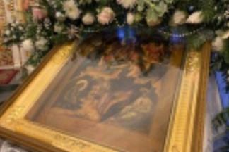 Митрополит Евгений совершил Божественную литургию в храме Рождества Христова на Уралмаше