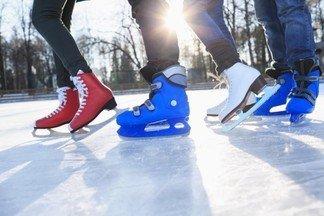Катаемся на коньках: обзор катков в Орджоникидзевском районе