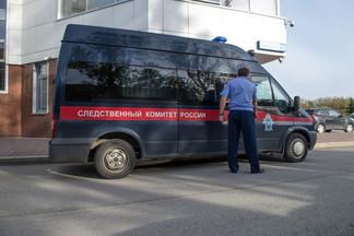 В Екатеринбурге троих мужчин обвиняют в надругательстве над маленькими мальчиками в Орджоникидзевском районе