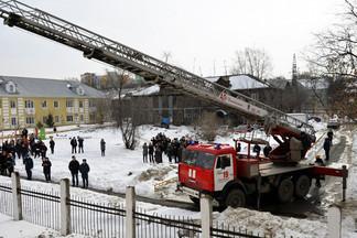 В Администрации Орджоникидзевского района проведена тренировочная эвакуация: отработан сценарий возможного возгорания в здании