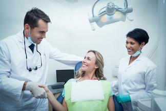 Консультация стоматолога в МЦ АРМ-МЕД бесплатно