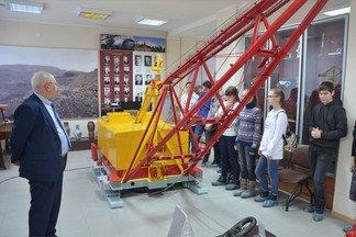 Учащиеся лицея № 100 посетили музей УЗТМ