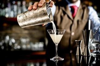 Стейк-хаус BIG БЫК: приглашаем на работу бармена
