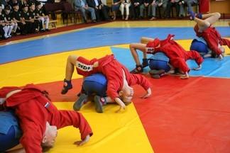 Турнир по спортивной борьбе среди младших юношей в школе РЕКОРД