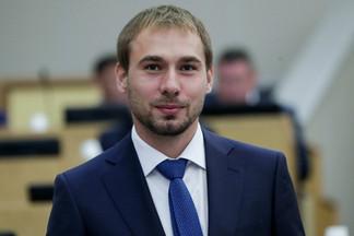 Антон Шипулин и «Общество «Малышева 73» открыли три спортивных площадки