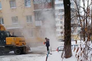 Жители домов на Уралмаше остались без отопления в мороз. Коммунальщики путаются в показаниях
