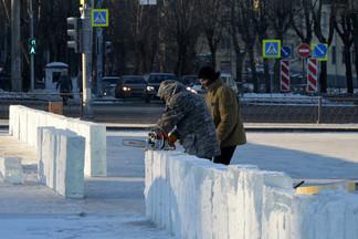 В Орджоникидзевском районе завершается подготовка к встрече Нового года