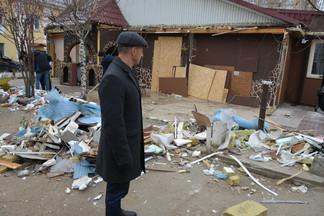 Началась ликвидация кафе «Андижан» на улице Коммунистическая