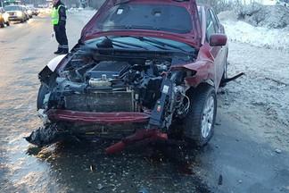 При столкновении двух автомобилей на Шефской пострадали три человека