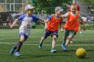 Набор детей с 4 до 8 лет в футбольную школу ЛИДЕР