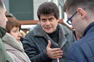 Марш-бросок: Глава Екатеринбурга вместе с журналистами оценил уборку в городе