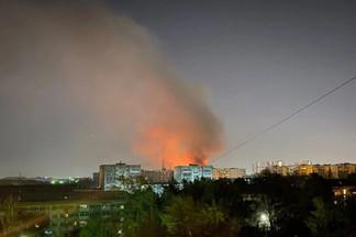 «Развлекались так»: двоих подростков, которые подожгли жилые дома на Эльмаше, отпустили на свободу