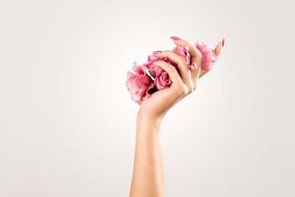 Салон красоты REТУШЬ: как сохранить молодость кожи рук