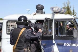 На Уралмаше полицейский выстрелил в мужчину, который набросился с ножом на его напарника