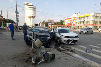 Около Белой башни произошла авария
