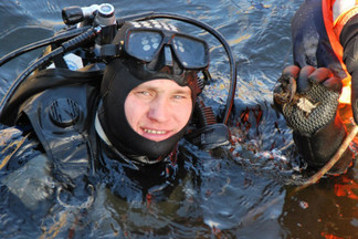 Свердловский облсуд снизил сроки приятелям, забившим до смерти бывшего водолаза МЧС и утопившим тело