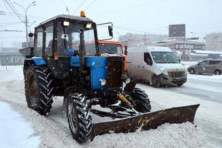 Уборка Орджоникидзевского района: службы благоустройства вывезли более 6 тысяч тонн снега