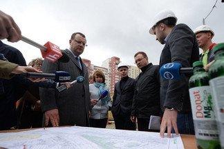У метро «Уралмаш» к осени построят парковку с роботами