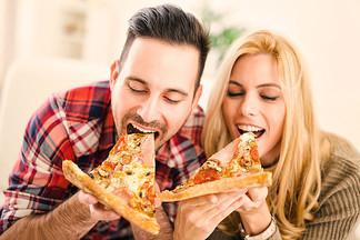 В ПАПА ДЖОНС цены на любимые пиццы еще ниже!