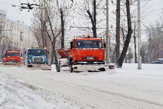 Продолжается борьба со стихией: за выходные вывезено более 3000 тонн снега