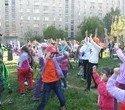 Игорь Володин организовал яркие семейные праздники в двенадцати дворах Орджоникидзевского района, фото № 86