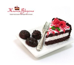 "Fabrika Masterov Магнит ""Торт с шоколадными конфетами"" - фото 4"