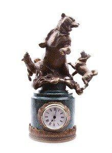 "Fabrika Masterov Часы ""Охота на медведя"" - бронза, натуральный камень - фото 1"