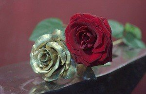 Fabrika Masterov Роза золотого цвета кованая - фото 4