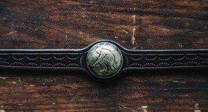 Fabrika Masterov Браслет из кожи с монетой . Ручная работа - фото 2