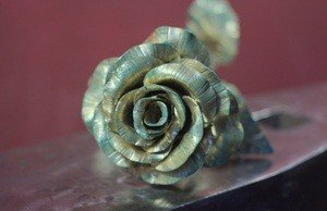 Fabrika Masterov Роза золотого цвета кованая - фото 1