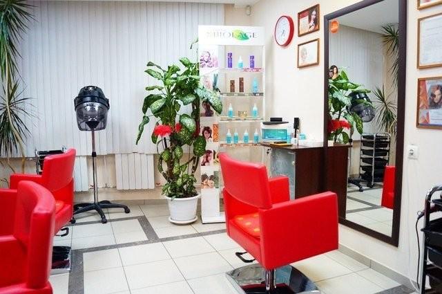 Место парикмахера в салоне красоты
